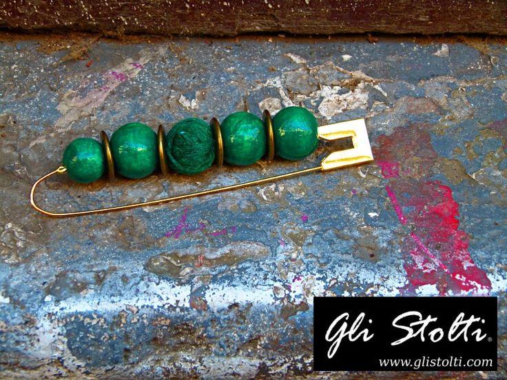 """Spilla da balia bijou artigianale """"Lady Sarah"""". Vai al link per tutte le info: http://glistolti.shopmania.biz/compra/spilla-da-balia-bijou-lady-sarah-496 Gli Stolti Original Design. Handmade in Italy. #glistolti #moda #artigianato #madeinitaly #design #stile #roma #rome #shopping #fashion #handmade #style #bijoux"""