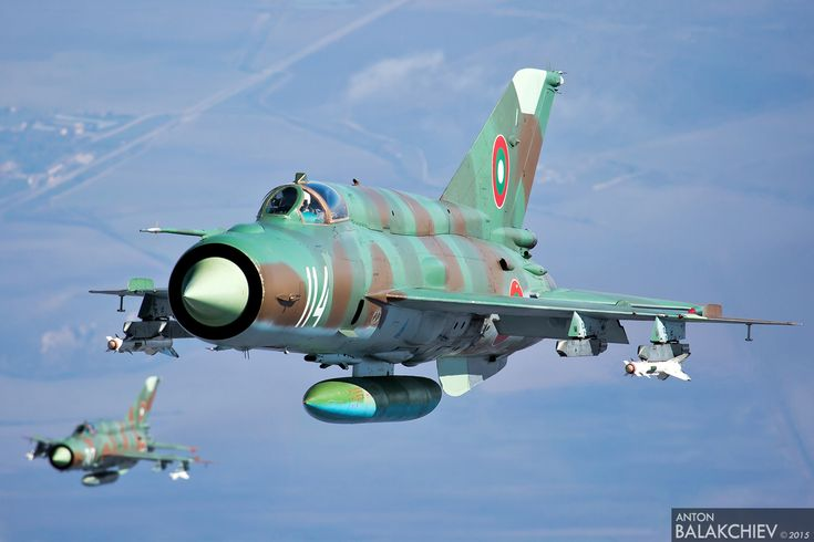 The Aviationist » These may be the best Mig-21, Mig-29 and Su-25 air-to-air images you've ever seen