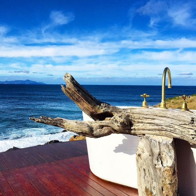 Thalia Haven on Tasmania's East Coast - a secluded hideaway with a bathtub to die for