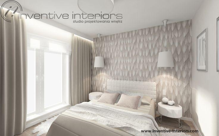 Projekt sypialni Inventive Interiors - beżowa jasna sypialnia z piękną tapetą