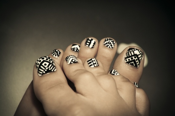 Black and white tribal toes