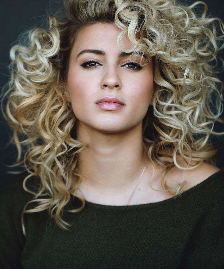 YouTube sensation and singer Tori Kelly chats with DuJour about her debut album, and the obstacles she overcame in order to step into the music industry's limelight.