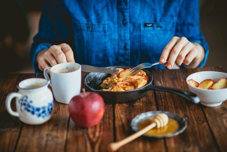 Pyszne Kadry: Omlet ze smażonymi jabłkami i cynamonem
