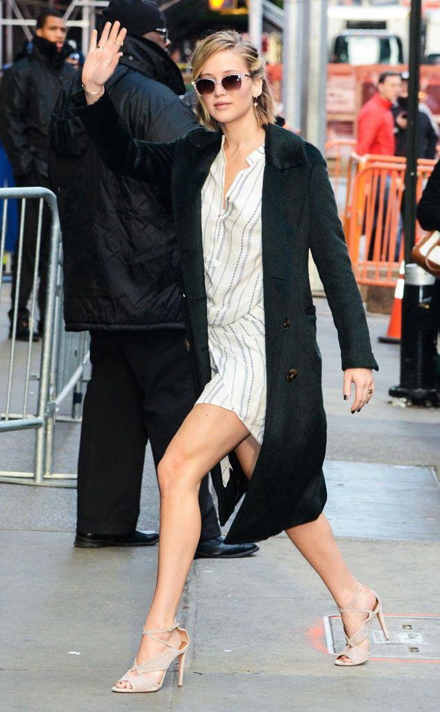 Jennifer Lawrence has legs for days! The Mockingjay star looks amazing as she enters Good Morning America.