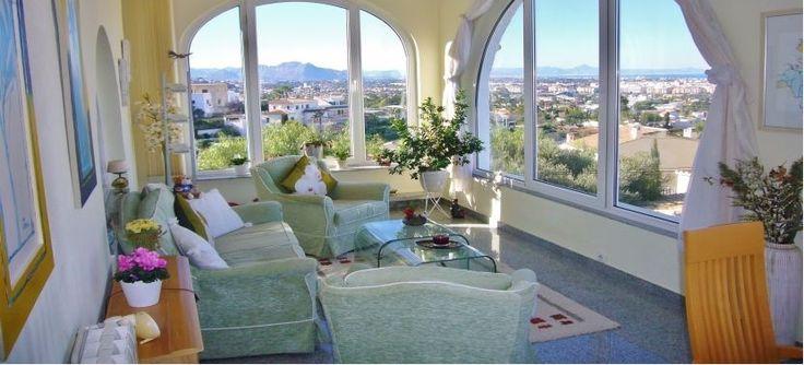 Neue Ferienimmobilie mit traumhaften Ausblick über Denia/Spanien jetzt im Vertrieb. Garantiert einzigartiger Panoramablick. Weitere spanische Traumimmobilien an der Ostküste finden Sie regelmäßig unter: http://www.ott-kapitalanlagen.de/immobilien-spanien.html