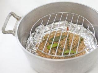 Aprenda técnicas simples para dar um gostinho defumado a carnes, peixes, legumes e frutas