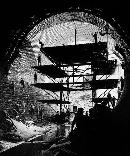 Σήραγγα εκτροπής στον Αχελώο το 1960..φωτ.Κώστας Μπαλάφας