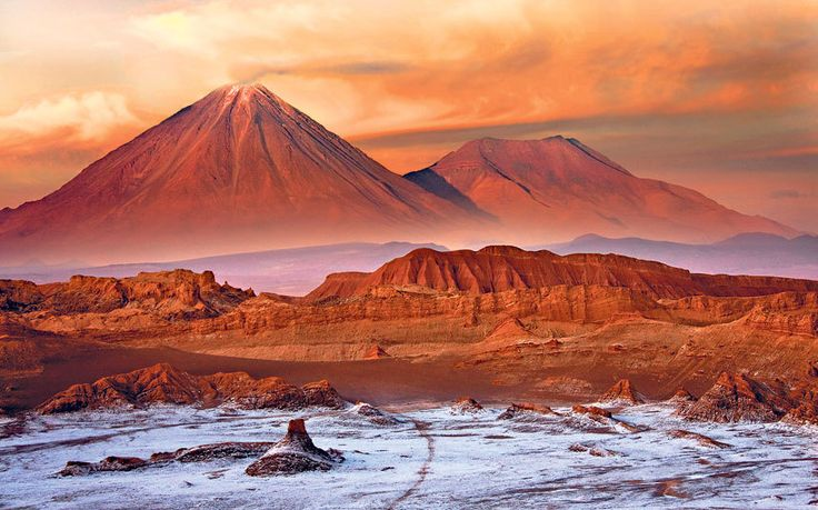 Chris Moss selects the best itineraries and smartest hotels around Chile's   northern desert to explore its clear skies, Martian landscapes and   breathtaking beauty