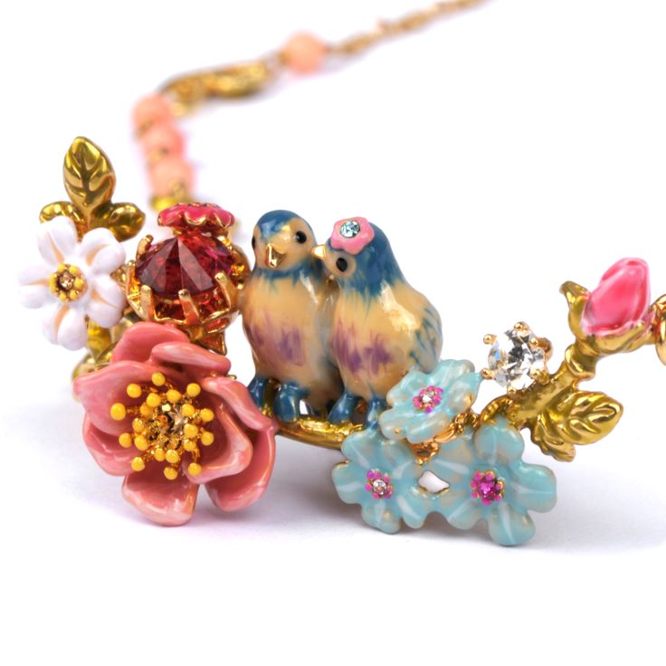 Collection Jardin d'Amour http://shop.lesnereides.com/necklaces/2889-couple-of-tit-on-their-branch-with-flowers-beads-faceted-glass-necklace-3700377748105.html