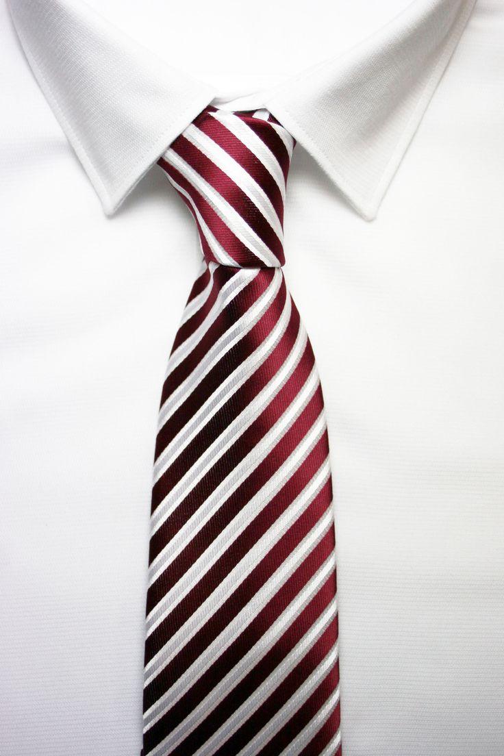 corbata roja burdeos