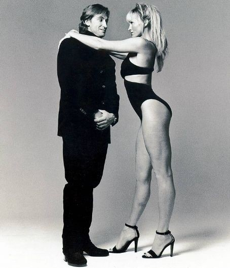 Wayne Gretzky & Janet Jones