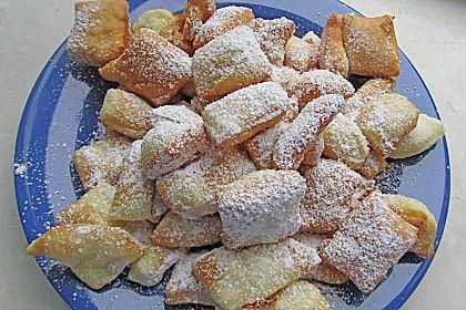 Kräppelchen, ein beliebtes Rezept aus der Kategorie Kuchen. Bewertungen: 24. Durchschnitt: Ø 4,4.