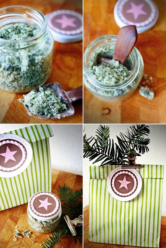 Für das Kräuter-Salz benötigt ihr:    200 gr. Salz  5 TL TK-Kräuter (5 Kräuter, Petersilie oder Basilikum wie Ihr mögt)    Salz und Kräuter vermischen in Gläschen füllen, verschließen und direkt in Tüten verpacken.