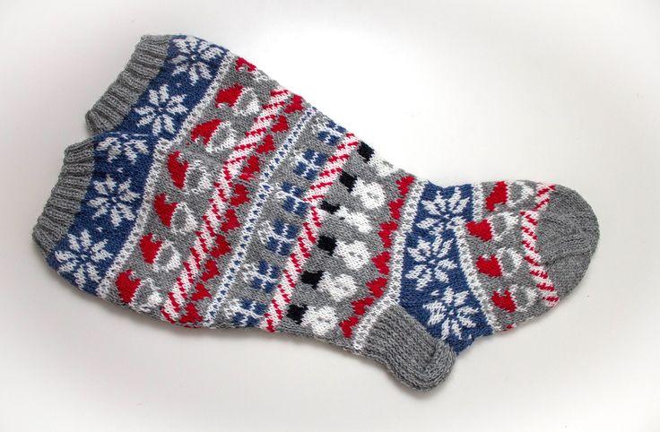Knitted Christmas socks / Neulotut joulusukat by Pariton rasa
