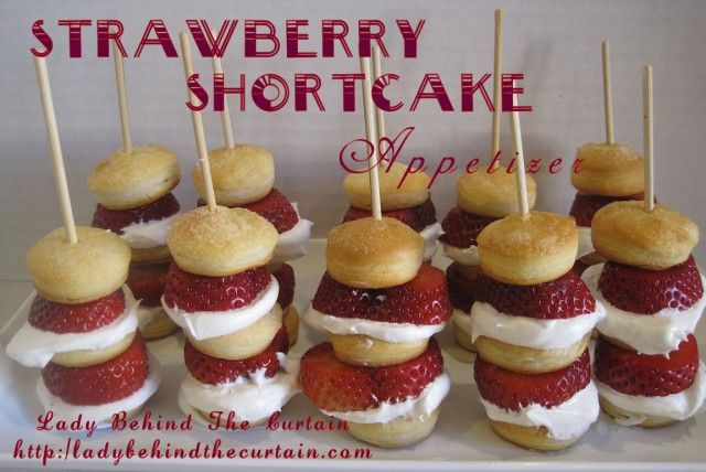 strawberries!: Fingers Desserts, Idea, Shortcake Appetizers, Summer Parties, Strawberries Shortcake Kabobs, Sticks, Strawberry Shortcake, 4Th Of July, Appetizers Recipe