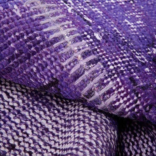 I nostri #tappeti #patchwork sono perfetti per dare un nuovo l#ook vivace alla casa o all'ufficio😃  Fatti a mano in Turchia💙 Date un'occhiata a tutti i nostri modelli qui:http://www.sukhi.it/turchia.html