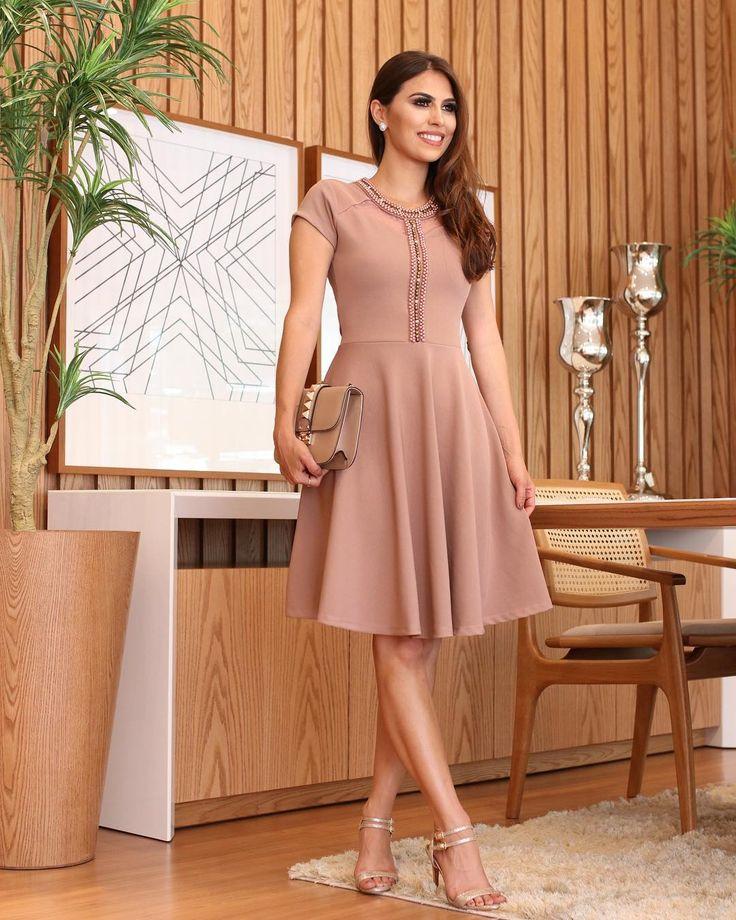 Charme e elegância!! . . . #modafeminina #modaevangelica #modaevangelicaatacado #modacrista #vestidoevangelico | Vestido lápis in 2019 | Pinterest | Dresses, Nude and Dress skirt
