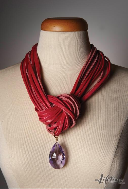 """Awesome necklace from Project Accessory contestant Diego - working on this one too - I have used a different """"string"""" and playing with options...making tutorial as I go (from Project Runway)"""