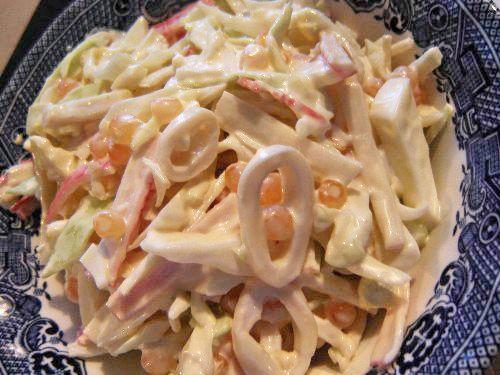 Салаты с кальмарами. Рецепты приготовления вкусных, оригинальных салатов с кальмарами.
