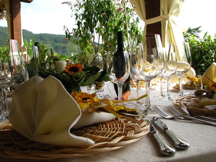 Charming Tuscan Table Setting Ideas Designs