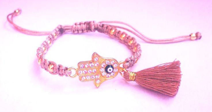 Μακραμέ βραχιόλι με φουντάκι - Handmade bracelets Spring-Summer 2015