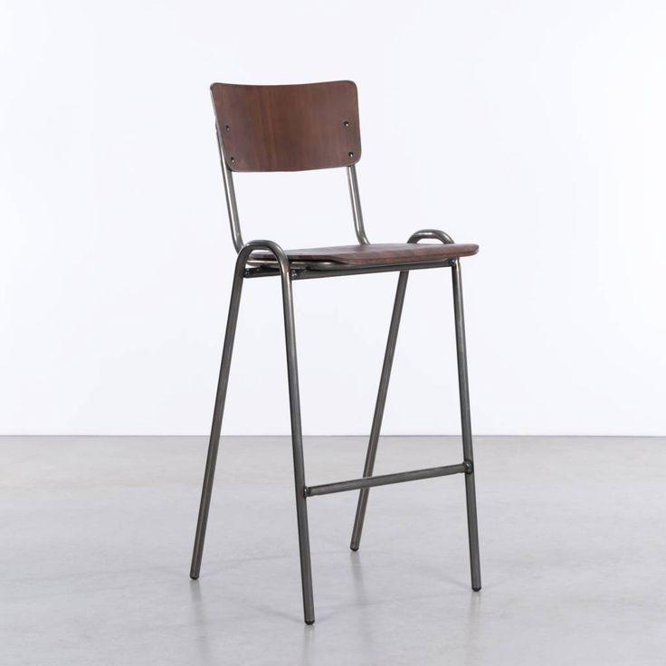 Bij ons vindt u buisframe & industriële stoelen, fauteuils en scandinavische tafels. Retro & vintage design, lampen, banken, krukken, tweedehands en industrië