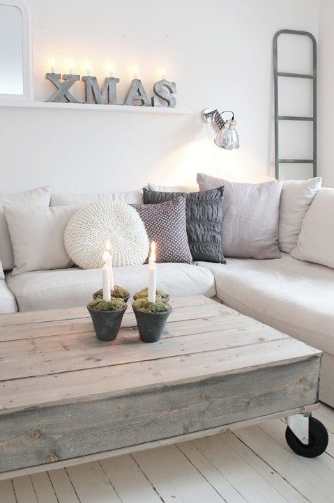 76 Inspiring Scandinavian Christmas Decorating Ideas | DigsDigs. Love the coffee table!
