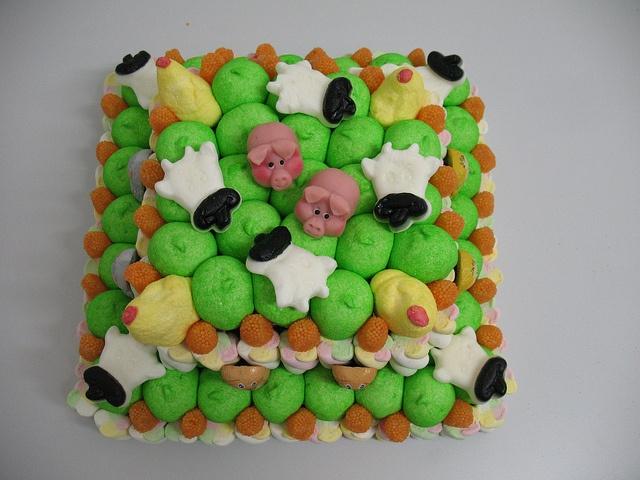 torta di caramelle   #caramelle #candy #fattoria #marshmallow http://www.lemilleeunamella.it/