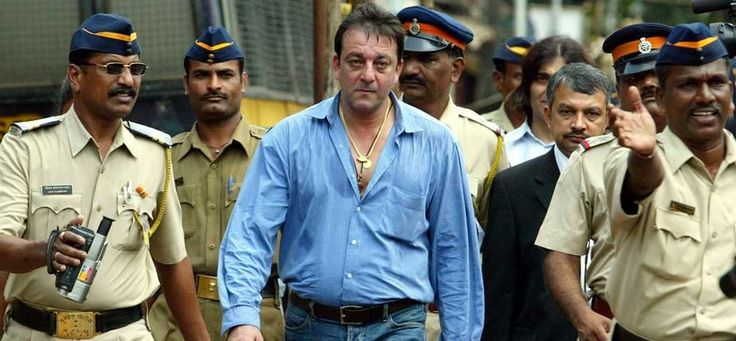 A Good news for Sanjay Dutt's fans, Sanjay Dutt to be freed from jail by March 7, 2016 ‪#‎SanjayDutt‬  Get more latest news here: http://bit.ly/1OfGW6W