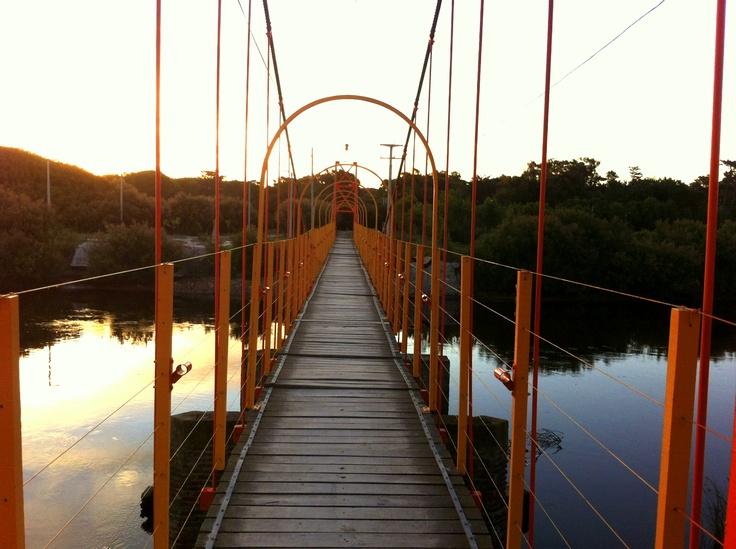 Claromeco - Puente colgante Claromeco / Dunamar  by Leandro Gáspari