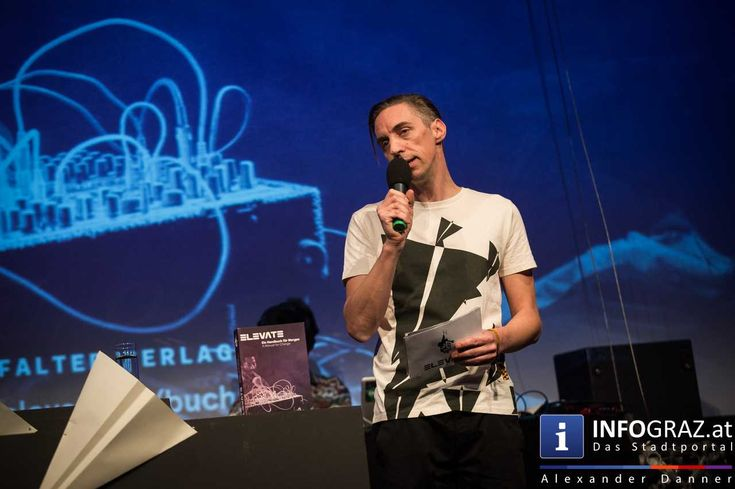 """Das Elevate Festival 2015 ist eröffnet  Dom im Berg Graz 22. Oktober 2015 Das längst international renommierte interdisziplinäre #Festival für #Musik, #Kunst und #politischen #Diskurs, #Elevate, eröffnete am Donnerstagabend mit einem Ausblick auf die Programm-Highlights der nächsten Tage, die dieses Jahr unter dem Motto """"#Creative #Response"""" stehen. #DomimBergGraz """"#CreativeResponse #interdisziplinäresFestivalfürMusikKunstundpolitischenDiskurs"""