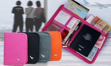 Per tenere in sicurezza e in ordine documenti importanti, denaro e altre carte quando si viaggia