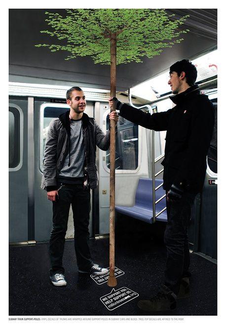 Una curiosa muestra de #publicidadcreativa en el metro. ¡Feliz semana!