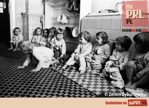 Ówczesne żłobki, przedszkola i domy dziecka wyglądały kiedyś właśnie tak...