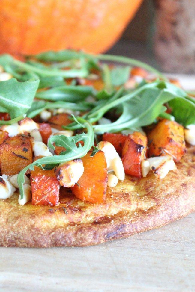 Spicy pompoen pizza met geitenkaas en pijnboompitten! - * Healthyfoodie *