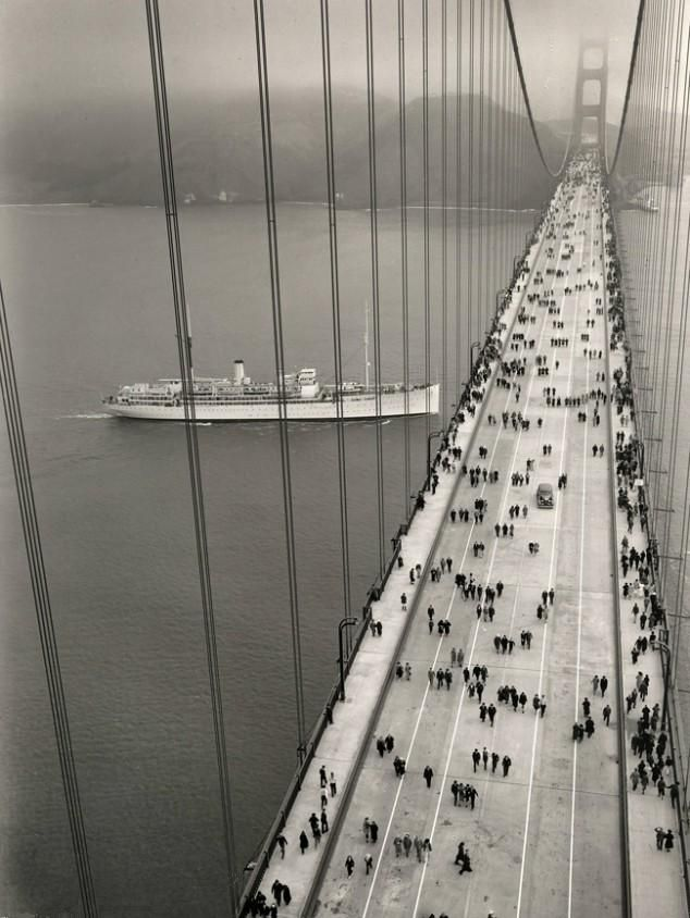 People on the Golden Gate Bridge soon after it opened in 1937 [634x844]