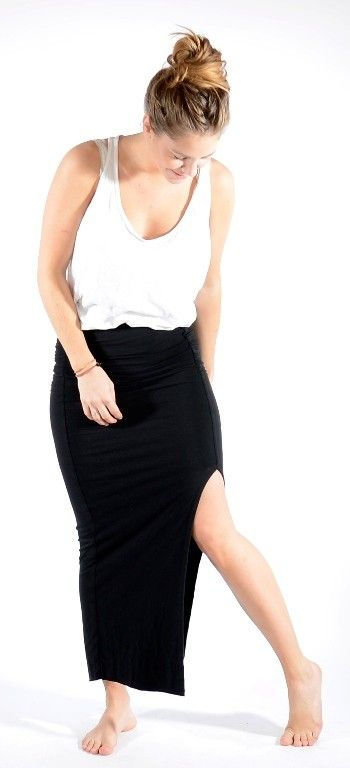 Long Jersey skirt Black http://www.corneliashus.no/bytimo-maxiskjort-black.html