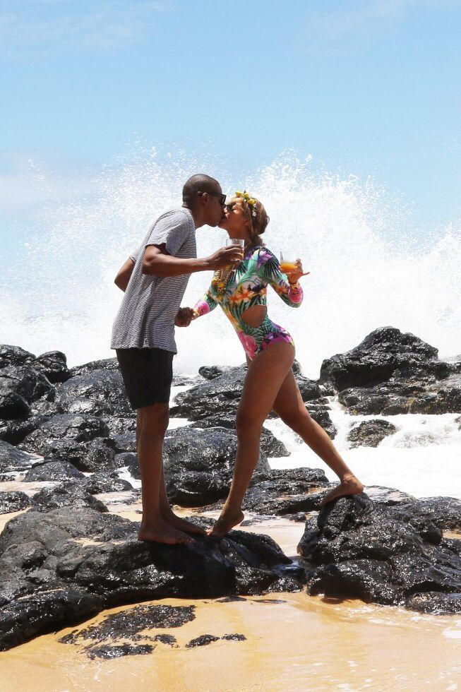 Beyoncé & Jay-Z in Hawaii June 2016