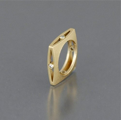 Ring | Maria Samora.  18k gold, diamonds