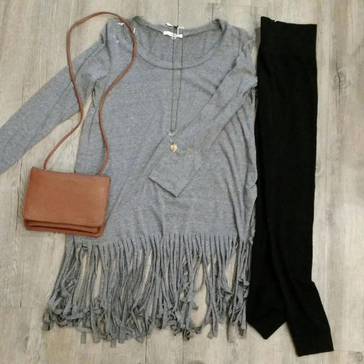 Fun fringe top with high rise leggings.  Complete the outfit with a Matt and Nat purse and long necklace.