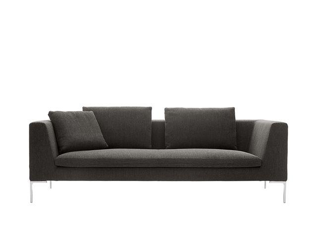 ▪️Sofá Charles. ▪️De estilo clásico y cómodo. __________________ #diseño #mueble #art