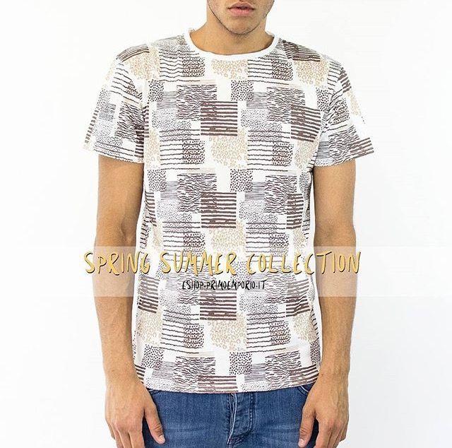 • Thursday #Outwear 🐅 •  Available TODAY on eshop.primoemporio.it (Art. 2209038 🔍) #PrimoEmporio #springsummer17 