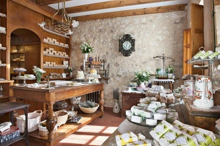 Maravillosa la tienda de Los Jabones de mi Mujer, Santiuste de Pedraza. Enhorabuena!