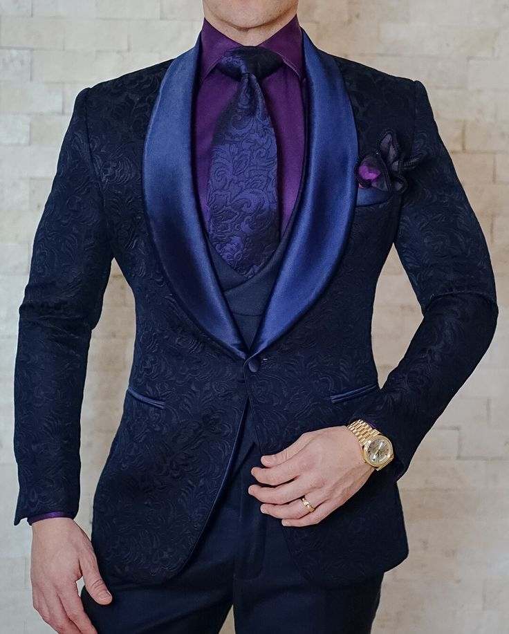 Leave a statement anywhere you go with our Navy Blue Paisley Dinner Jacket look. Get yours today! #wedding #groom #eveningideas #sebastiancruzcouture