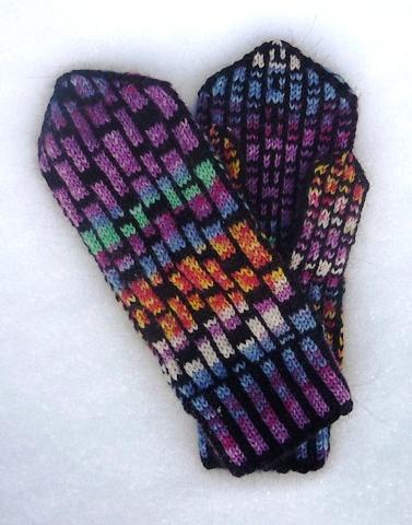 Knitted mitten pattern.  Mondrian Mittens.  http://www.ravelry.com/patterns/library/mondrian-mittens