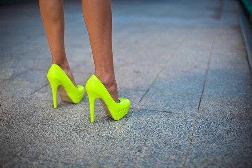 Лимонный цвет обувь