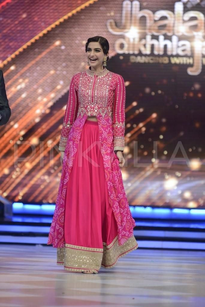 Sonam, Fawad have a blast with Madhuri and team on the sets of Jhalak | PINKVILLA