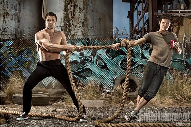 Invasion of the Amells: A Q&A with The CW's best bloodline | EW.com Stephen Amell and Robbie Amell YUM!