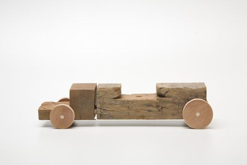 Truck Toco - Recycled wooden cars by Marcelo Zocchio
