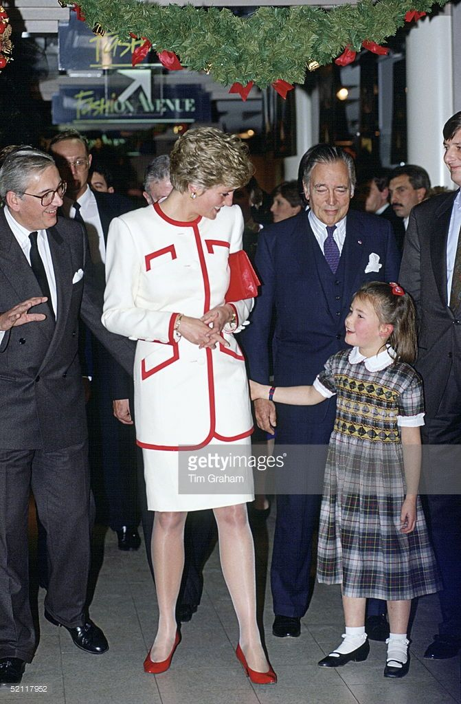 Princess Diana Meeting A Little Girl During A Walkabout In Brussels
